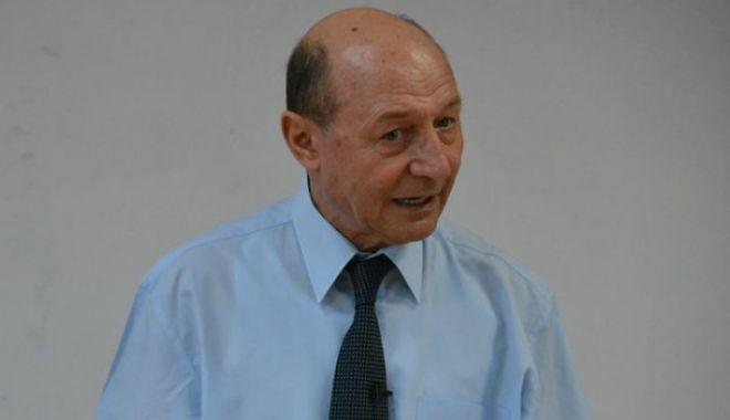 Foto: Traian Băsescu dă verdictul în războiul PSD: Dragnea va câştiga, Firea va pierde