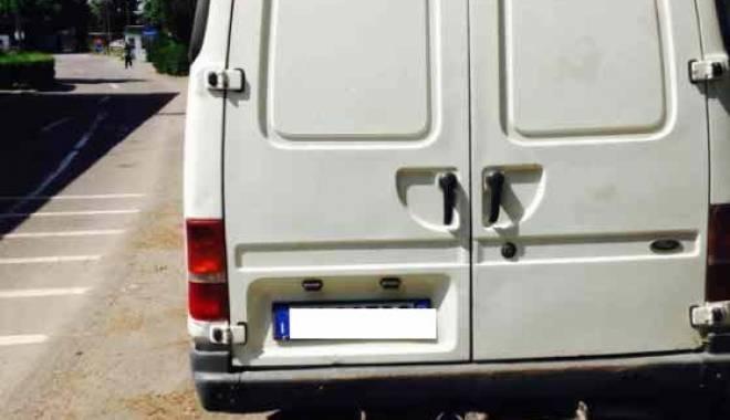 Dubiţă căutată în Bosnia Herţegovina, găsită la Negru Vodă - 29maimasinaconfiscata3-1432891121.jpg