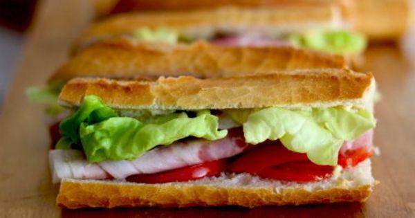 Foto: Un parlamentar a demisionat, după ce a furat un sandviș
