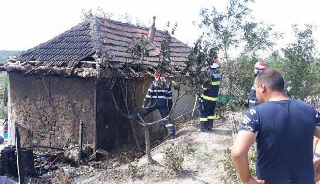 Foto: TRAGEDIE LA CONSTANȚA / Fetiță de 4 ani, MOARTĂ într-un incendiu