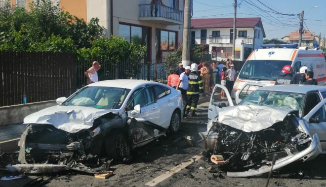 GALERIE FOTO/ Accident rutier grav în 23 August. Opt persoane au fost rănite - 2e88d0cf924044b9ad721e31e0d200c5-1627137186.jpg