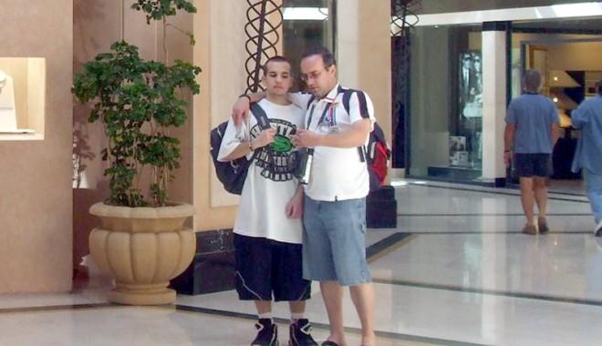 Foto: Gheorghe şi Ion la hotel de lux