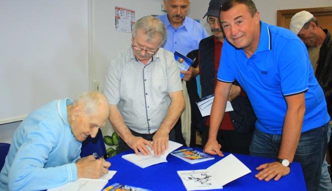 Foto: Traian Petcu, a treia lansare de carte. Următorul obiectiv: Muzeul sportului constănţean!