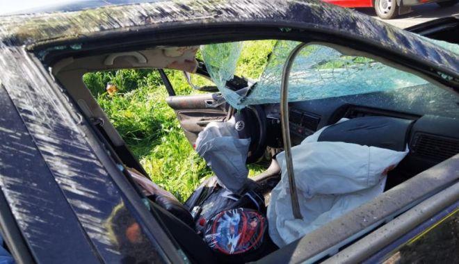 GALERIE FOTO. Accident grav, în ziua de Paşte. Trei persoane au fost rănite - 3-1619964148.jpg