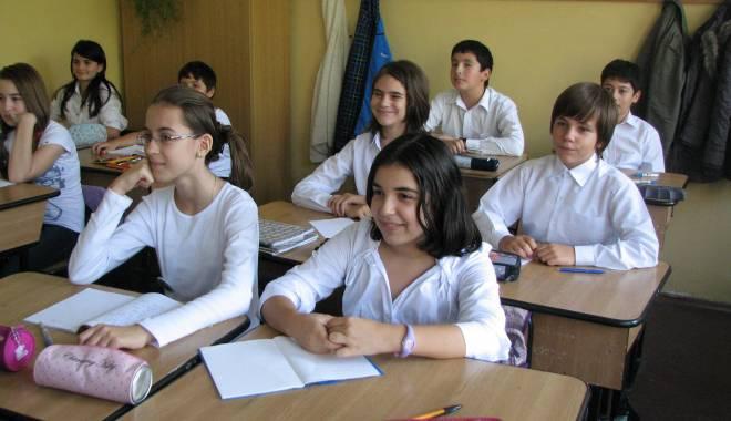 Foto: Peste 300 de elevi constănţeni