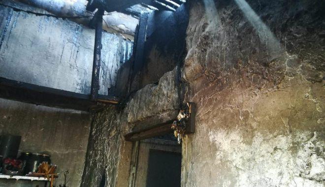 Update! Arde magazia unei case, la Mangalia. O persoană se află înăuntru! - 31180154180323296636614854000113-1524571735.jpg