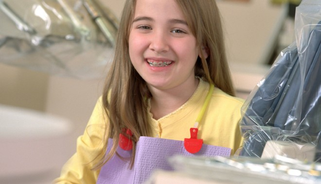 Dinții strâmbi, o problemă severă de sănătate, nu doar estetică - 31augfonddintistrambi-1346430896.jpg