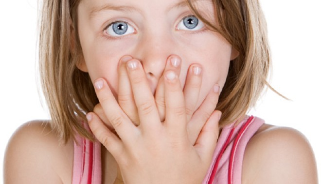 Foto: Ce faci dacă propriul copil vorbeşte vulgar