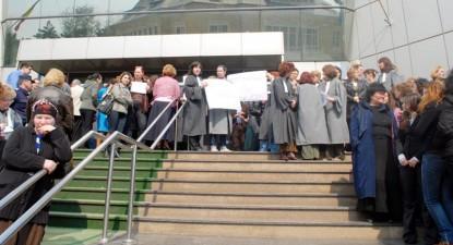 Foto: Bugetarii intră în grevă generală pe 31 mai 2010