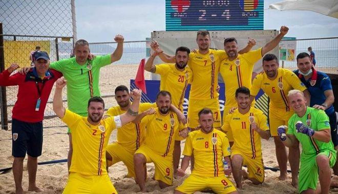 Doi militari din echipa de minifotbal a LMP joacă pentru naționala României la fotbal pe plajă - 33b063b7ee744730897a5826bbc298d9-1624182429.jpg