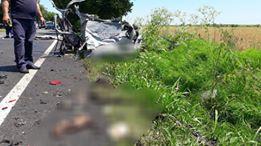 IMAGINI ŞOCANTE! TRAGEDIE la Constanţa. Maşină spulberată de un tir. O persoană a murit - 35686901192978377371221377435978-1529488846.jpg