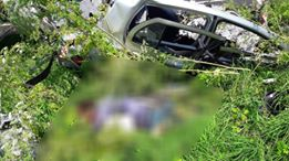IMAGINI ŞOCANTE! TRAGEDIE la Constanţa. Maşină spulberată de un tir. O persoană a murit - 35799451192978382037887551095771-1529488868.jpg