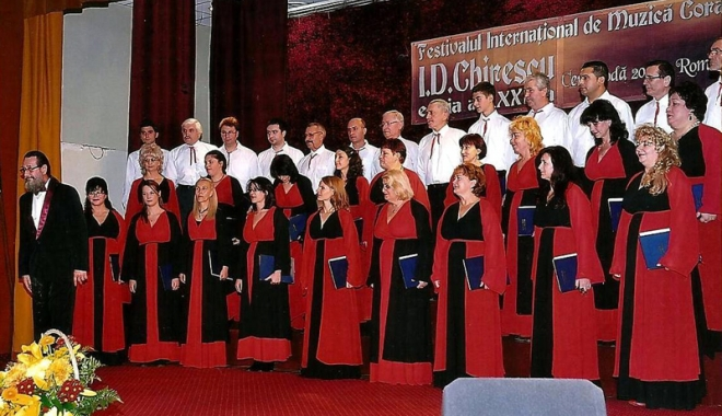 Foto: 35 de ani de muzică corală la Cernavodă