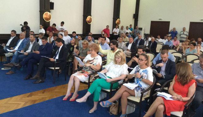 Foto: ŞEDINŢĂ DE CONSILIU LOCAL / Iată ce decizii iau aleşii constănţeni