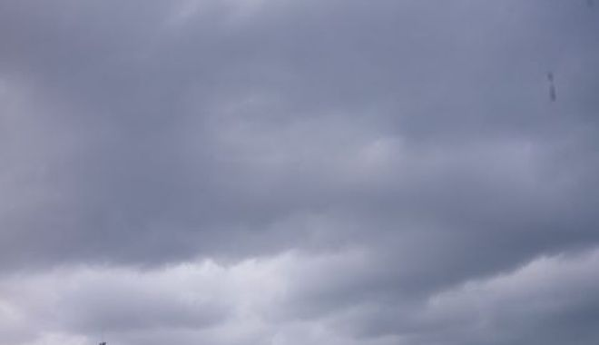Foto: COD GALBEN de PLOI TORENŢIALE la Constanţa! A fost prelungită avertizarea