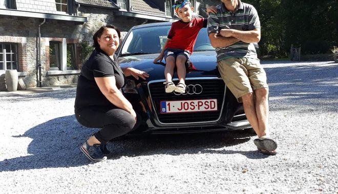 Foto: IMAGINEA ZILEI / Un alt român vine în țară cu mașina cu numere anti-PSD