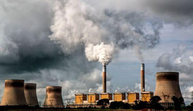 Foto: STUDIU: poluarea crește riscul de suicid