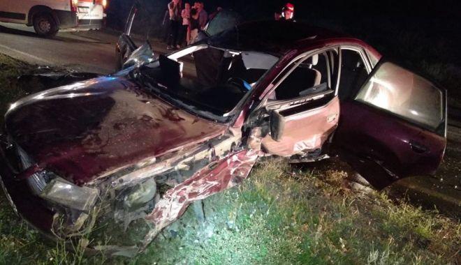 GALERIE FOTO - ACCIDENT RUTIER LA CONSTANŢA, după ce un şofer a pierdut controlul volanului