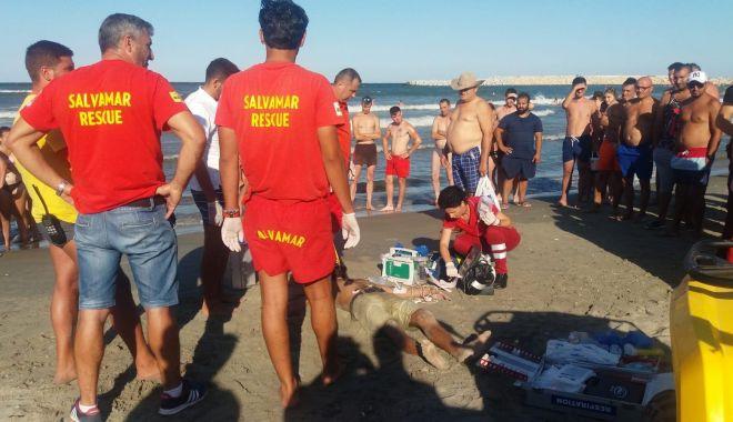 Foto: GALERIE FOTO / ÎNCĂ O TRAGEDIE PE PLAJA MODERN! Un bărbat s-a înecat