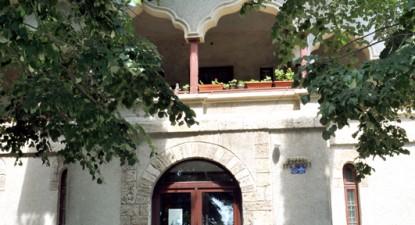 Casa Pariano, conacul ridicat pe piscurile falezei - 38eb74c3bf20aad609cda4e70e009c97.jpg