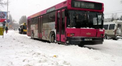 Foto: Autobuzele RATC circulă numai până la ora 22