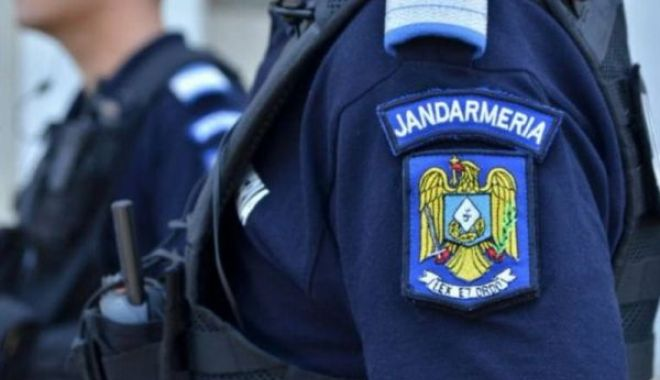 Foto: 30 de pliculeţe autosigilante cu substanțe halucinogene, confiscate de jandarmii constănțeni