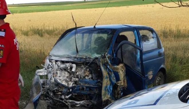 GALERIE FOTO / VIDEO. Accident între Ciocârlia și Cobadin! Sunt trei victime. O femeie decedată pe loc - 4-1591976055.jpg