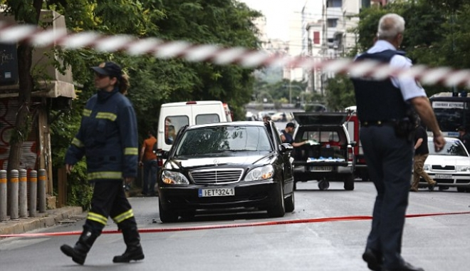 ALERTĂ / EXPLOZIE ÎN CENTRUL ATENEI. Fostul premier Lucas Papademos, rănit - 40ca0bfe000005784542248imagea471-1495733403.jpg