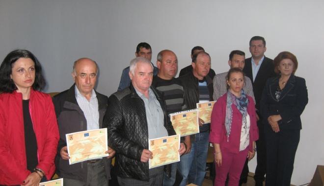 Foto: 40 de fermieri constănţeni  s-au specializat în managementul exploataţiei agricole