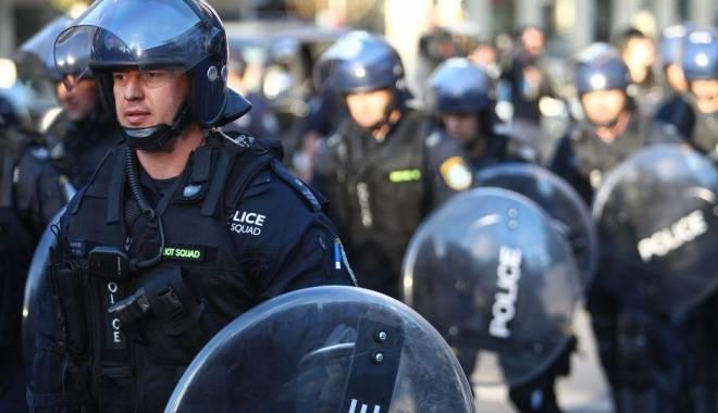 """Foto: Arestaţi pentru plănuirea unei """"decapitări în public"""""""