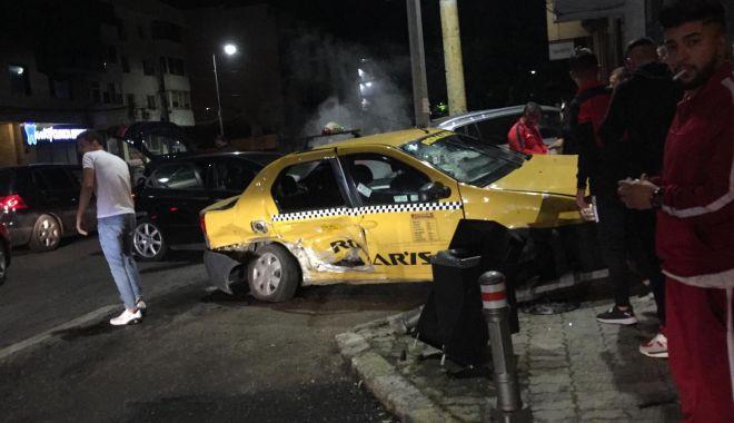 Foto: GALERIE FOTO / Accident rutier spectaculos în Constanța. CINCI VICTIME