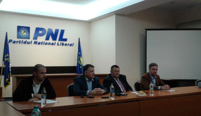 Foto: ŞEDINŢĂ PNL CONSTANŢA / Se cer schimbări privind taxa pentru parcările publice!
