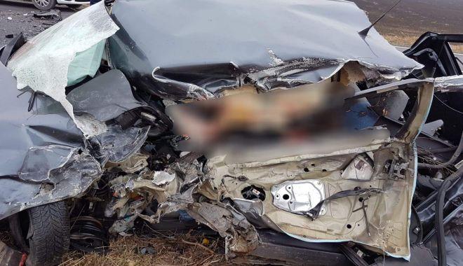 Foto: TRAGEDIE RUTIERĂ LA IEŞIRE DIN LUMINA. Ce spune Poliţia Constanţa despre accident