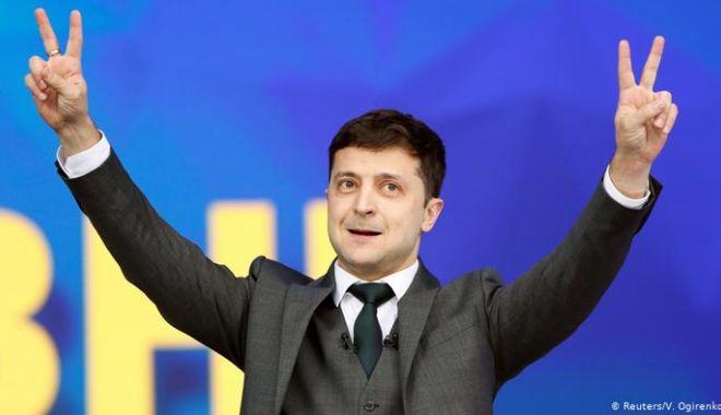Foto: Alegeri prezidenţiale în Ucraina: Victorie zdrobitoare a actorului de comedie Volodimir Zelenski (exit-poll)