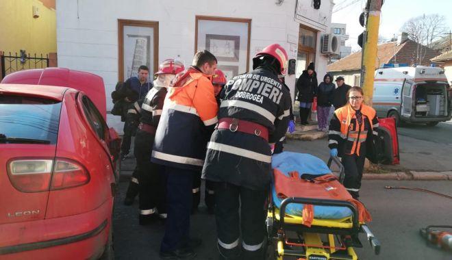 Galerie foto. Accident rutier la Constanţa. Victima este o femeie - 48413201365087460917814634057478-1544696219.jpg