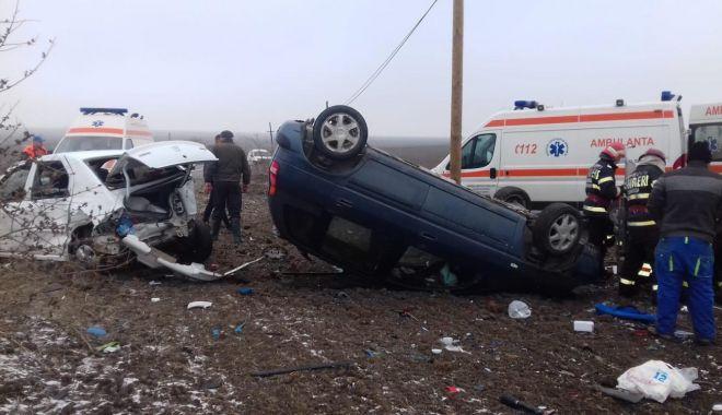 Foto: GALERIE FOTO. Accident rutier în judeţul Constanţa, soldat cu cinci victime