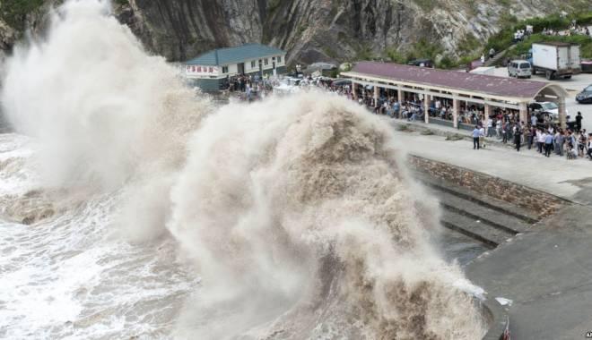 Foto: Taifunul Chan-hom a m�turat estul Chinei!