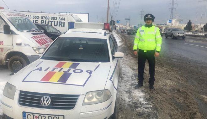 Foto: Şoferi traşi pe dreapta de poliţiştii de la Rutieră! Ce verifică oamenii legii