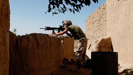 Foto: Militar român rănit grav în Afganistan