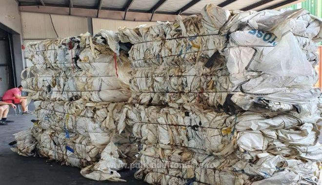 Containere cu DEȘEURI DIN PLASTIC, aduse din Irlanda, oprite în port - 4feb5af4455445f0b8a404cb96d82ae0-1627467324.jpg