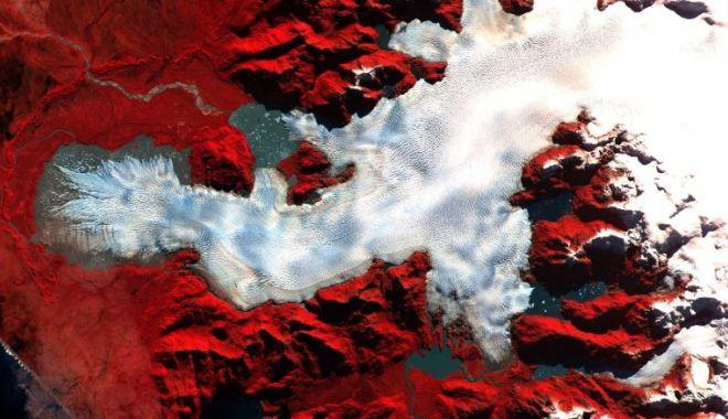 CNN: Imagini spectaculoase făcute de NASA. Cum arată Pământul din spaţiu - 5-1619167042.jpg