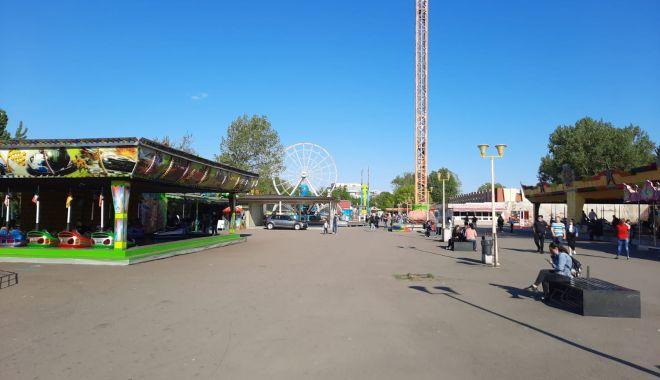 GALERIE FOTO / Este activitate în Satul de Vacanță. Constănțenii au ieșit la plimbare - 5-1620572595.jpg