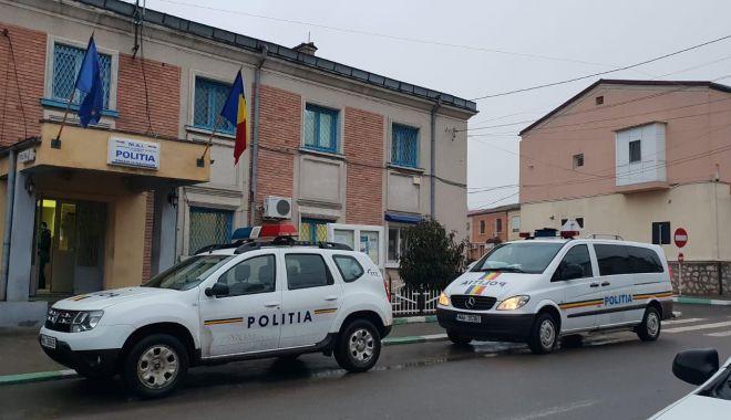 GALERIE FOTO-VIDEO. Percheziţii la Năvodari şi Corbu! Poliţia a descins la hoţi din locuinţe - 50454667234465023576705470513864-1548335216.jpg