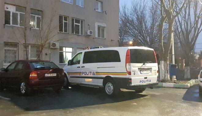 Foto: GALERIE FOTO-VIDEO. Percheziţii la Năvodari şi Corbu! Poliţia a descins la hoţi din locuinţe