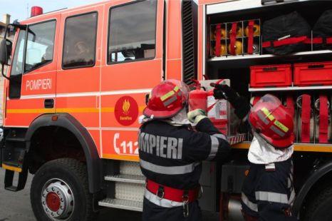 Foto: Incendiu în localitatea Negru Vodă