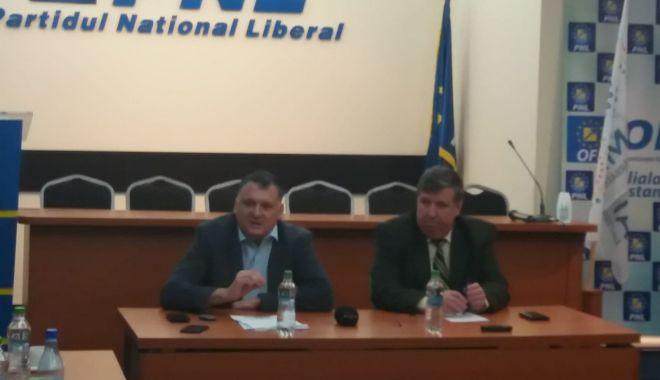 Foto: PNL Constanţa, conferinţă de presă despre buget: