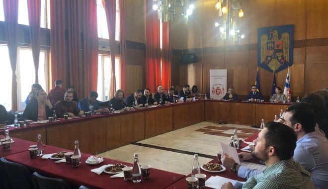 Foto: UPDATE. A început şedinţa de Consiliu Local, la Constanţa