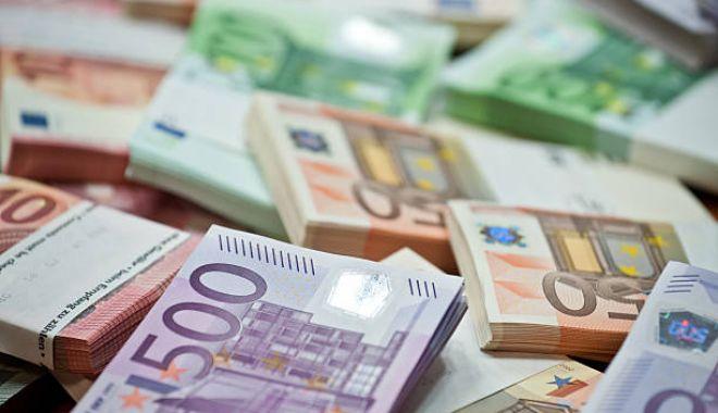 Foto: Se schimbă banii! Scapă de aceste bancnote până în decembrie 2018