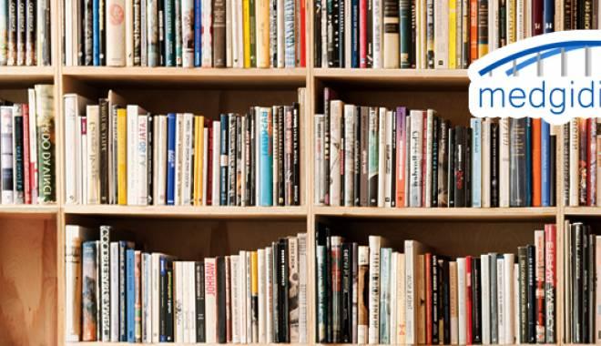 Foto: Alfabetizare digitală la o bibliotecă din Medgidia