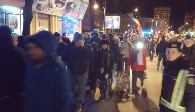 Foto: PROTEST LA CONSTANŢA! Oamenii şi-au manifestat nemulţumirea: